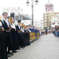 Πάνω απο 400 χορευτές σε ρυθμούς Καβοντορίτικου στη Χαλκίδα!