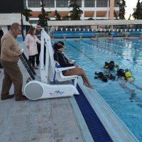 Τοποθετήθηκε ο ρομποτικός μηχανισμός πρόσβασης ΑμεΑ στο Κολυμβητήριο